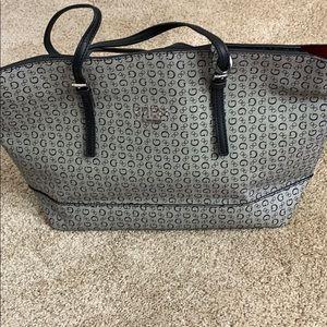 Guess purse ❤️